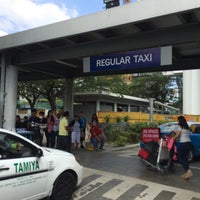 Photo taken at NAIA Terminal 3 Taxi Stand by Shin -. on 3/8/2017