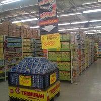 Photo taken at Giant Hypermarket by Hendric Chia K. on 10/25/2013