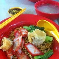 Photo taken at 628 Ang Mo Kio Market & Food Centre by Kathleen N. on 3/2/2013