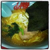 8/10/2013にm34szkが山岡家 狸小路四丁目店で撮った写真