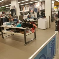 Photo taken at Old Navy by Mrs T. on 8/14/2016