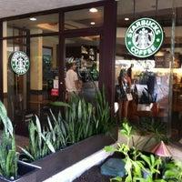 Das Foto wurde bei Starbucks von Tomoaki A. am 3/6/2013 aufgenommen