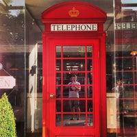 Снимок сделан в Кофейный дом LONDON пользователем Alex M. 7/27/2013