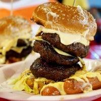 Photo taken at Burger Bakar Kaw Kaw by Azhar A. on 9/17/2012