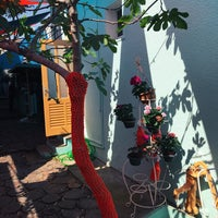 4/26/2018에 Olga Z.님이 Büyükada Bistro Candy Garden에서 찍은 사진