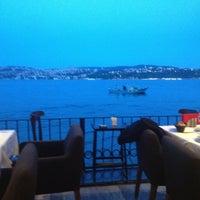 6/11/2013 tarihinde Hasan İ.ziyaretçi tarafından Circle Restaurant & Cafe'de çekilen fotoğraf