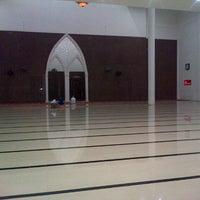 Photo taken at Masjid Agung Al-Munawaroh by Chudri A. on 10/1/2013