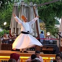 Foto scattata a Mihri Restaurant & Cafe da İsmigül K. il 6/14/2018