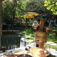7/28/2013 tarihinde Demet s.ziyaretçi tarafından Çardak Restaurant'de çekilen fotoğraf