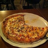 Foto tirada no(a) Domenico Pizzeria Trattoria por Alexandre P. em 11/6/2012