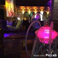 Photo taken at Kalyan Lounge - Hyatt Regency by Emrah A. on 7/13/2015