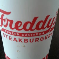 Photo taken at Freddy's Frozen Custard & Steakburgers by Andy A. on 7/30/2016