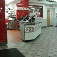 Photo taken at In-N-Out Burger by Andy A. on 3/26/2016