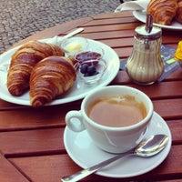 Das Foto wurde bei Café Kanel von Dima Z. am 8/10/2013 aufgenommen