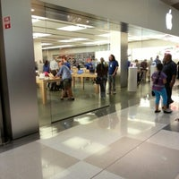 Photo taken at Apple Chermside by Grant M. on 9/21/2012