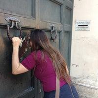 Foto tomada en Buco della Serratura Priorato dei Cavalieri di Malta por Elisa T. el 5/9/2013