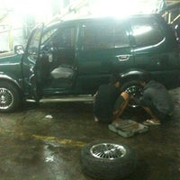 Photo taken at Cuci Mobil 24 Jam by Raden Mas S. on 11/3/2012