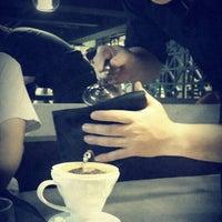 Photo taken at 湛盧咖啡 Zhanlu Coffee by Allen K. on 9/29/2013