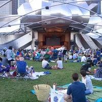 รูปภาพถ่ายที่ Jay Pritzker Pavilion โดย Stephen R. เมื่อ 7/14/2013