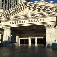 Foto tomada en Caesars Palace Hotel & Casino por Maria G. el 5/12/2013