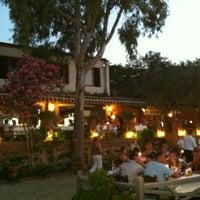 Foto scattata a Sardunya Restaurant da Niyazi B. il 8/11/2013