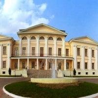 Снимок сделан в Усадьба князей Голицыных в Дубровицах пользователем Niki L. 7/31/2013
