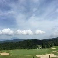 Photo taken at 大熱海国際ゴルフクラブ by Toshinori on 6/12/2016