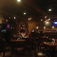 Foto tirada no(a) Buddies Burger & Beer por Carol M. em 8/9/2013