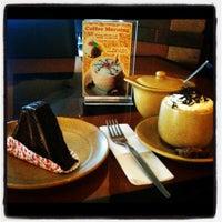 Photo taken at DE CAFÉ Resto & Delicatessen by Khirana닌디야 on 7/29/2012