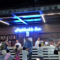 9/4/2012 tarihinde Abdullah C.ziyaretçi tarafından Highlights Bar'de çekilen fotoğraf