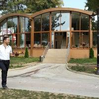 8/14/2013 tarihinde Kemal Y.ziyaretçi tarafından Emirgan Kafe'de çekilen fotoğraf