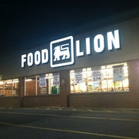 Photo taken at Food Lion Grocery Store by Kelly G. on 9/12/2013