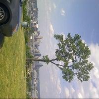 6/15/2013 tarihinde Elizabeth R.ziyaretçi tarafından Devou Park'de çekilen fotoğraf