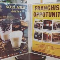 Photo taken at OldTown White Coffee by antoniusguntur k. on 10/20/2016