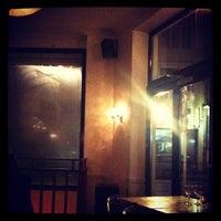 Foto scattata a Le Tigre da Joanne T. il 11/22/2012