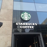 9/14/2015 tarihinde Ulker R.ziyaretçi tarafından Starbucks'de çekilen fotoğraf