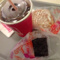 Photo taken at Dunkin' Donuts by Gel J. on 9/30/2013