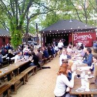 Foto scattata a Banger's Sausage House & Beer Garden da Pedro S. il 4/26/2013
