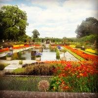 Foto tirada no(a) Kensington Gardens por Kelvin F. em 8/10/2013