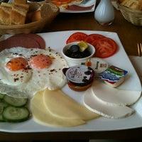 10/23/2012 tarihinde Fırat Ş.ziyaretçi tarafından Güllüoglu'de çekilen fotoğraf