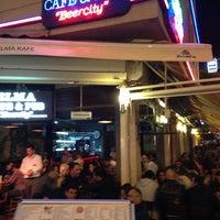 5/21/2013 tarihinde Hasan D.ziyaretçi tarafından Elma Pub & Beercity'de çekilen fotoğraf