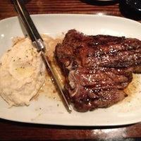 Photo taken at LongHorn Steakhouse by Chris R. on 4/21/2013
