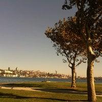 10/19/2012 tarihinde Tugce Y.ziyaretçi tarafından Balat Sahili'de çekilen fotoğraf