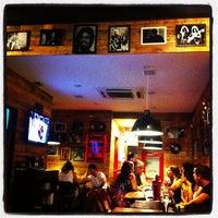 Foto tirada no(a) Cafofo Pub por Alexandre M. em 2/3/2013