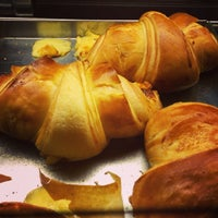 Photo taken at Joyce Croissanterie by Caio B. on 8/9/2013
