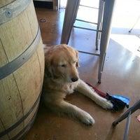 Foto scattata a Belching Beaver Brewery Tasting Room da Jack P. il 10/5/2013