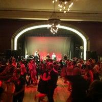 Photo prise au Century Ballroom par Loren Y. le5/27/2013
