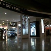 5/17/2013에 Shravan K.님이 Bengaluru Duty Free Store에서 찍은 사진