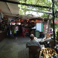 7/8/2013 tarihinde Enes O.ziyaretçi tarafından Lunapark Cafe & Restaurant'de çekilen fotoğraf