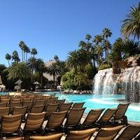 Foto tomada en The Mirage Hotel & Casino por Robbert V. el 11/7/2012